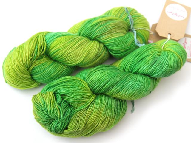 Favourite Sock – hand-dyed superwash merino sock yarn (Supergrass)