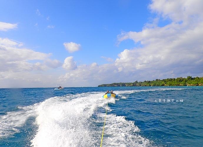 31 沖繩自由行 水上活動 香蕉船 Marine Support TIDE 殘波 藍洞海洋觀光 藍洞浮潛&珊瑚礁 餵食熱帶魚浮潛