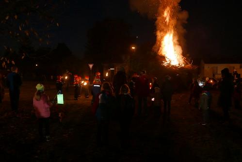 Martinsfeuer #4: Fackelumzug zum Martinsfeuer