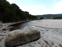 Arrivée à l'embouchure de l'étang de Santa Giulia depuis la fin de la trace NE de Ghjuncaghjola