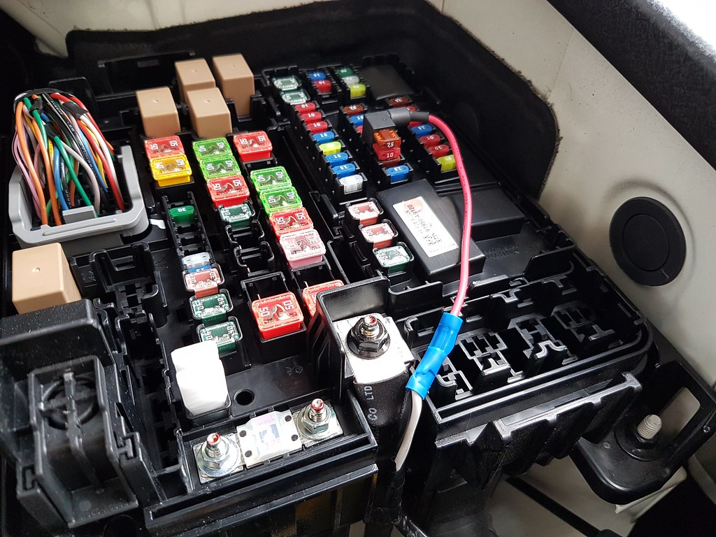 Convert Positioning Lights To Drl Kia Forum 2015 Sorento Wiring Harness So What I Discovered Is That By Not Cutting The Yellow And Green Wires Was Actually Powering Entire Parking Light Circuit Including Rear