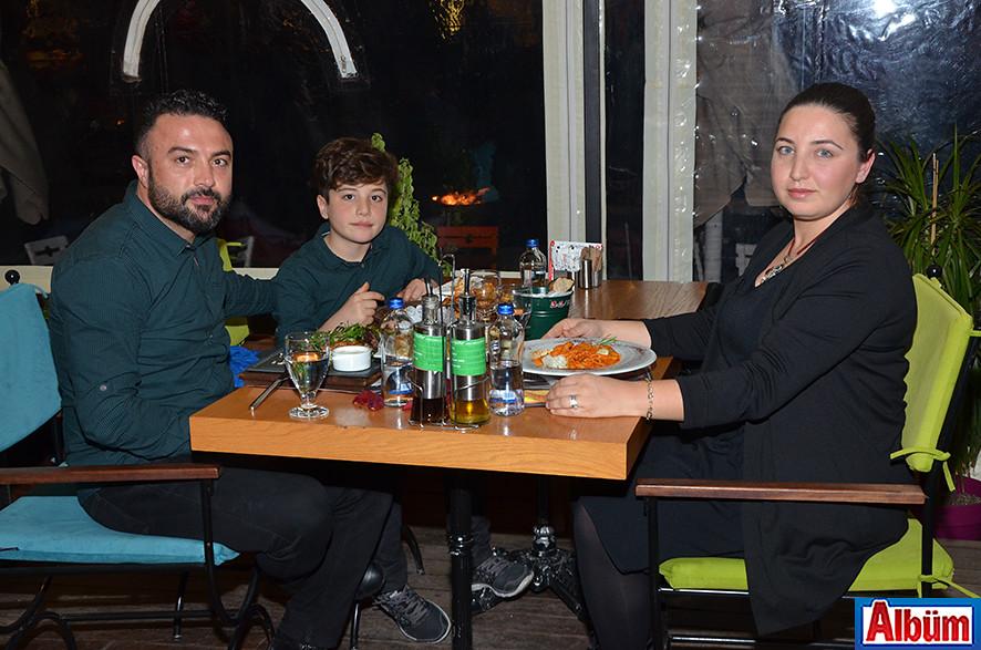 Leman Kültür'de kutladılar6 ( Sevgililer Günü)