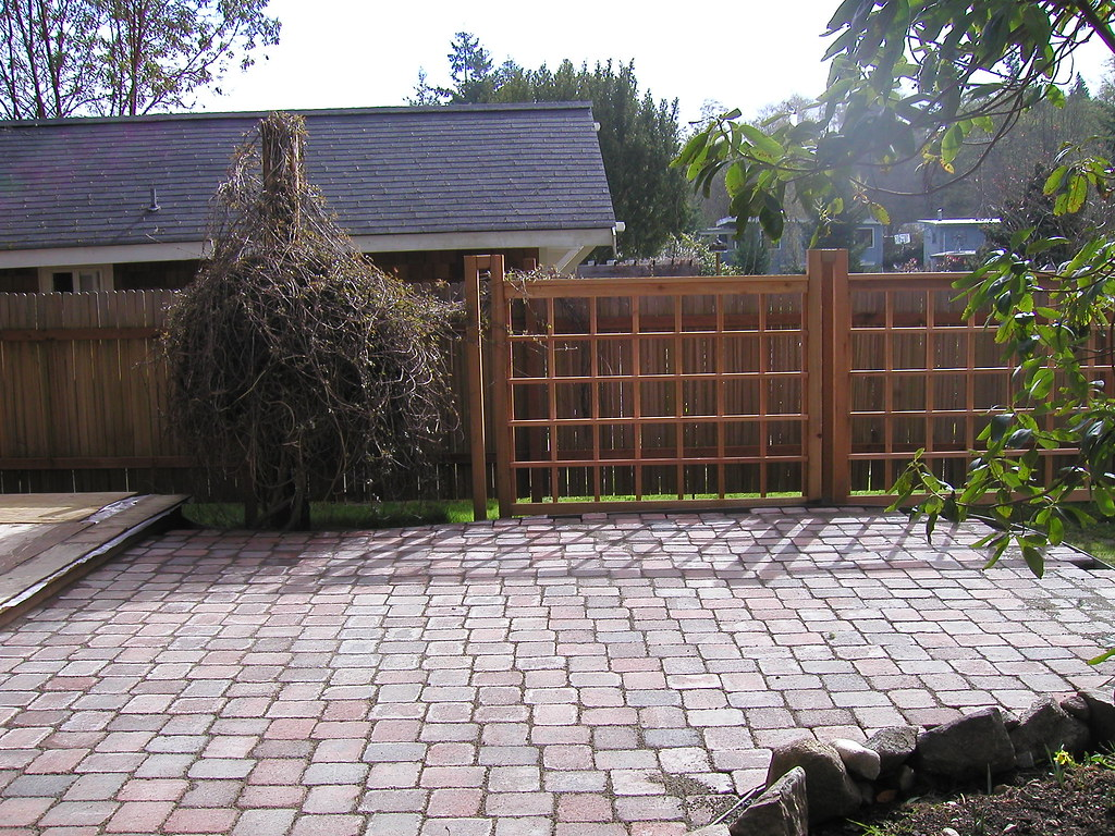 Bay Cottage - Courtyard | The cobblestone courtyard sits ...