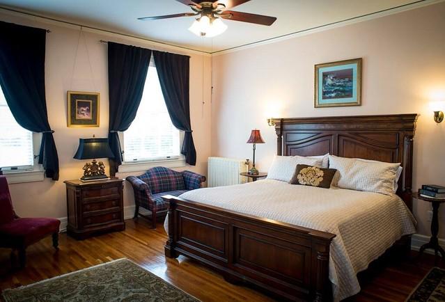 King George Room - King George Inn B&B