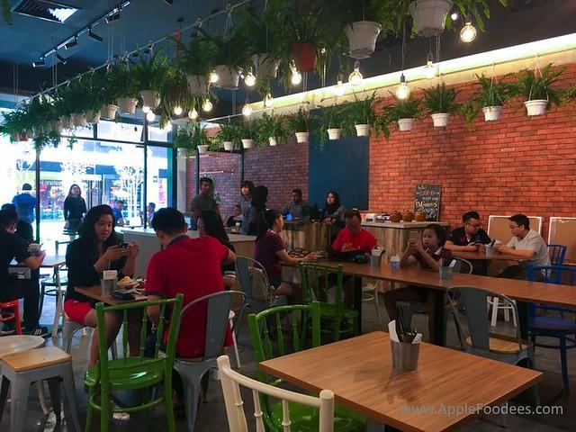 Make Make Cafe - Restaurant Layout