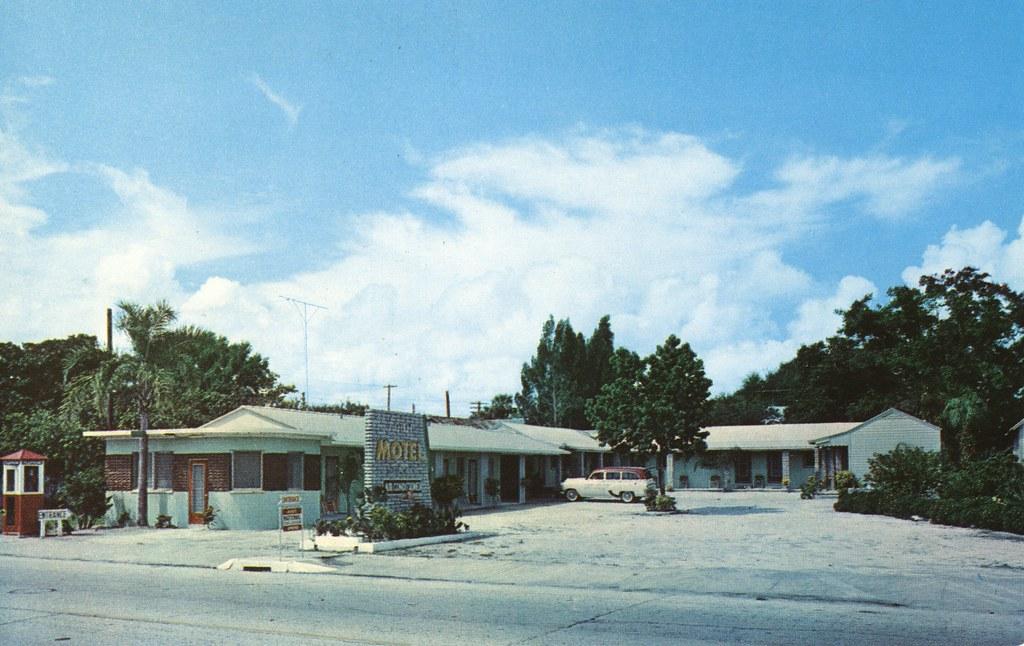 Town Motel - Titusville, Florida