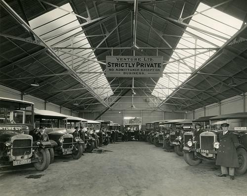 Limited >> Buses at Venture Limited Bus Station, Basingstoke | Fifteen … | Flickr