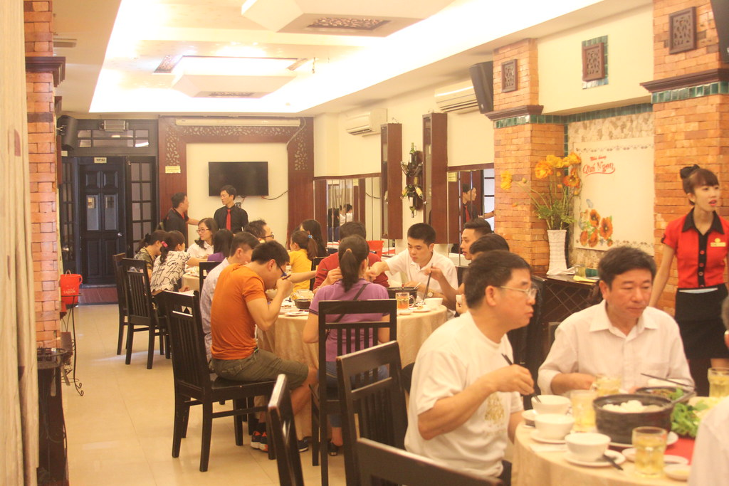 Tiệc đón khách đoàn Đất Việt Tour