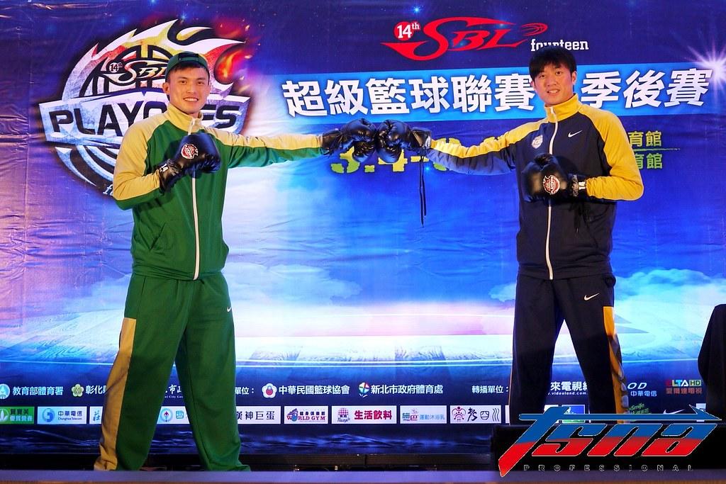 呂奇旻(左)、簡偉儒。(倪芝蓉/攝)