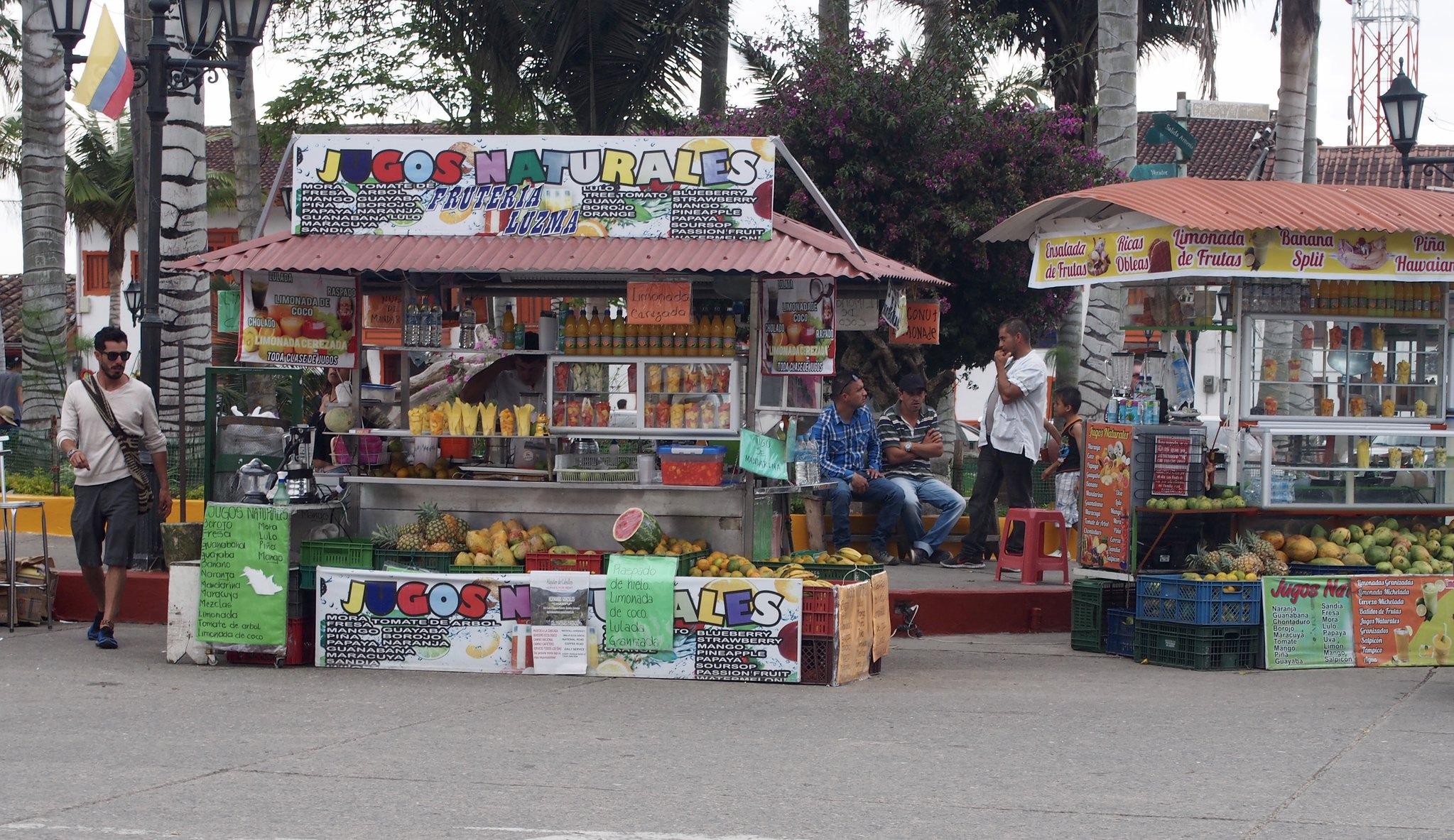 Colombia: Fruit & Juice stands