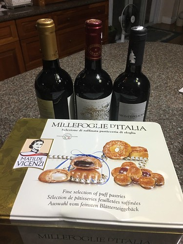 wines and cookies for Pres. GMA