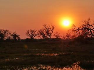 El sol sale en Botswana