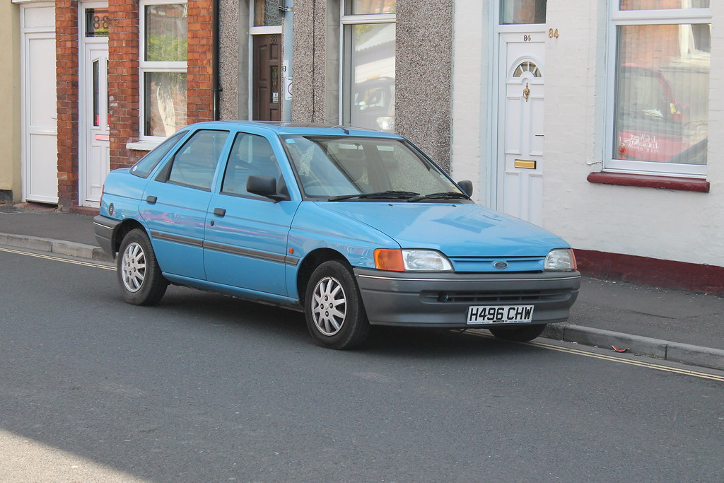 1991 ford escort 1 4 lx i like seeing these old mk5s if. Black Bedroom Furniture Sets. Home Design Ideas