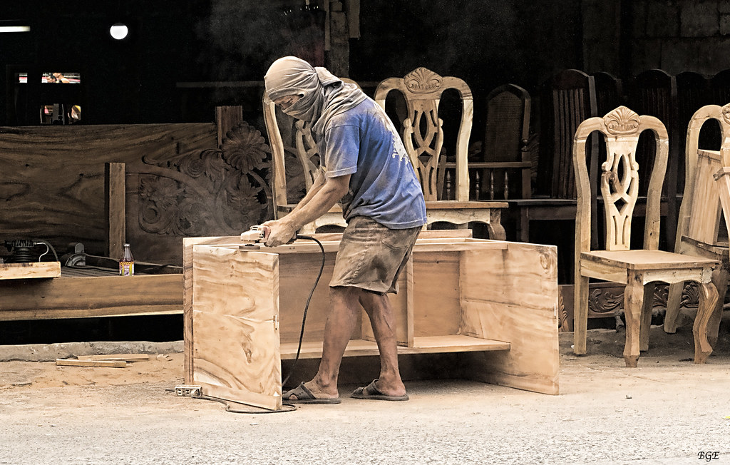 Cabinet Maker Bacolod City This Is A Roadside Furniture Ma Flickr