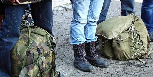 Лейтенантів — в армію