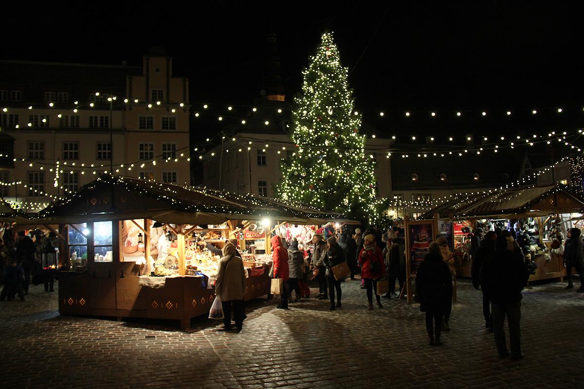 Tallinna_joulumarkkinat_ilta