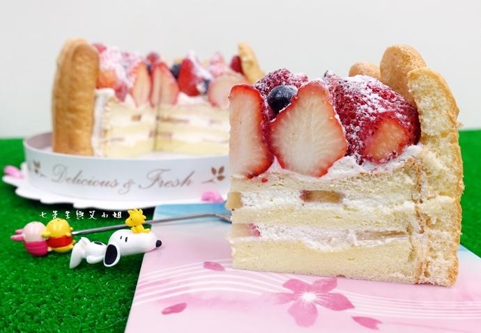 11 棒棒糖手工點心 愛妻草莓蛋糕