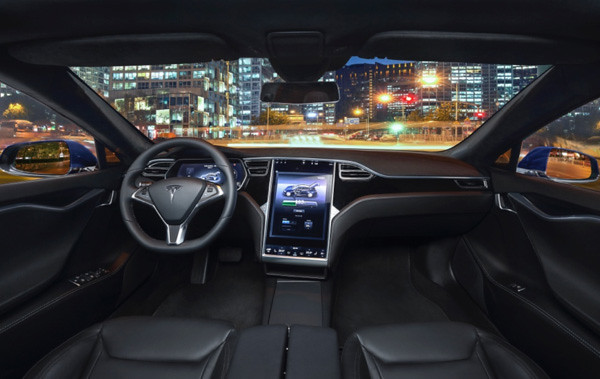 Owners in the eyes of the Tesla MODEL and 8 x 7 big advantages disadvantages