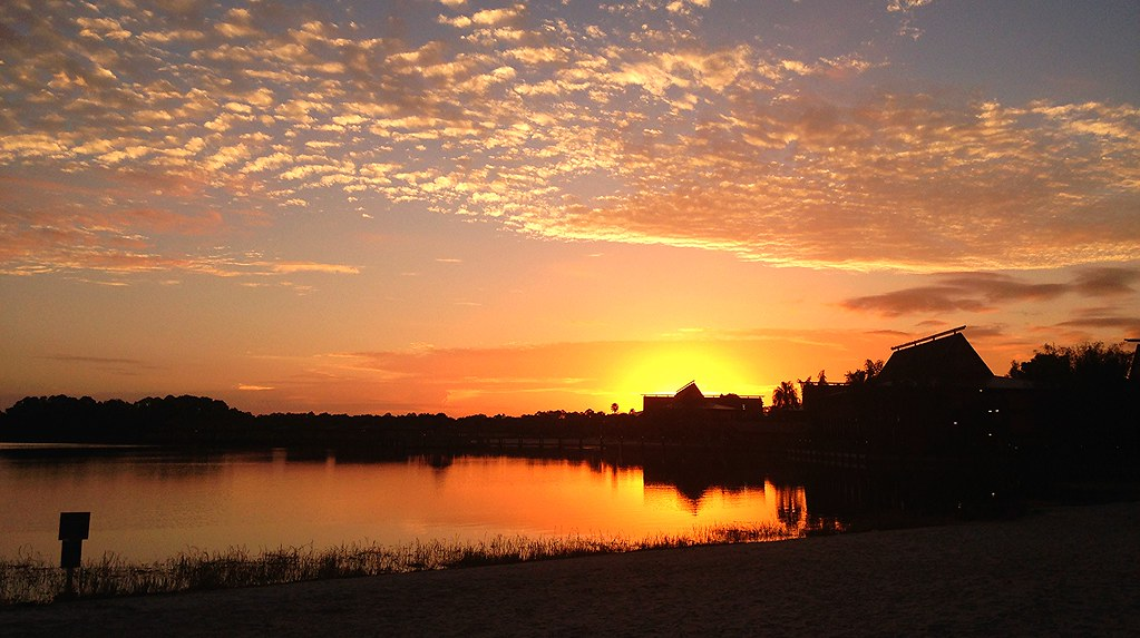 ... Morning | Beautiful sunrise at Disney's Polynesian Vi… | Flickr