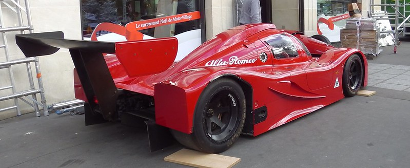 Alfa romeo abarth groupe c se 048 sur un trotoir de for Garage alfa romeo paris