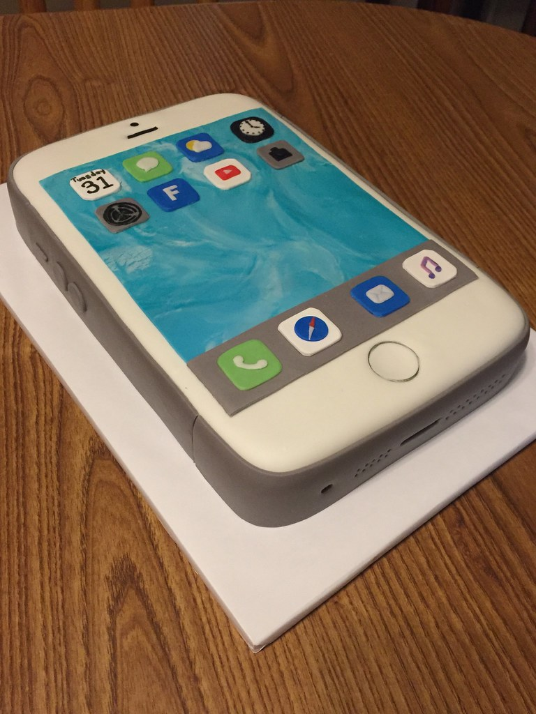 Iphone 5s Birthday Cake Cake Made From Torted Single Layer Flickr