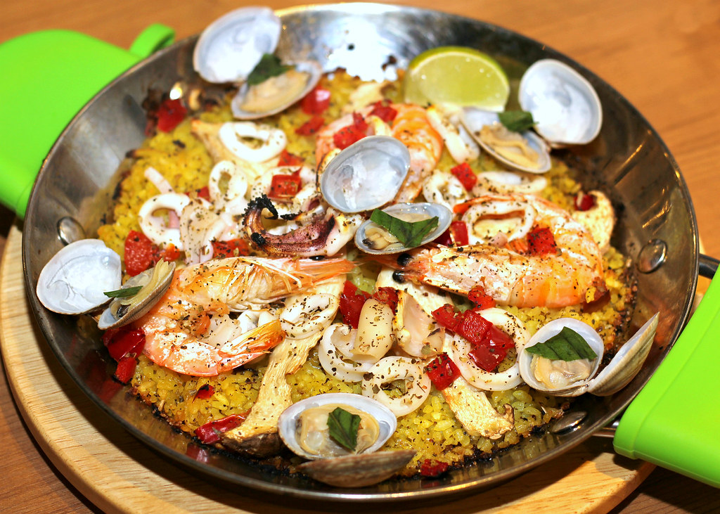 tinos-pizza-cafe-seafood-paella