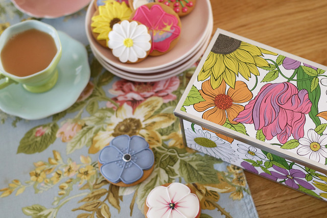 Mothers Day Biscuit Tin from Biscuiteers