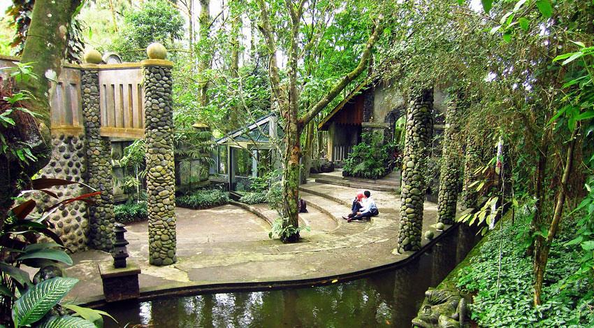 18-UllenSentalu-courtyard-intaninchan.wordpress