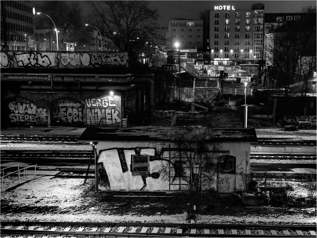 hotel s bahn station warschauer str berlin martin hufnagel flickr. Black Bedroom Furniture Sets. Home Design Ideas
