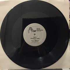 D.J. KEV-G:PARTY REMIXES VOLUME 2 EVERYONE FALLS(RECORD SIDE-A)