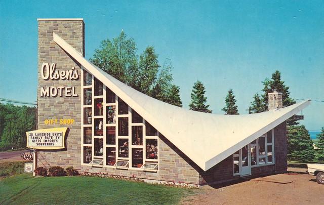 Olsen's Motel and Gift Shop - Tofte, Minnesota U.S.A. - 1960s