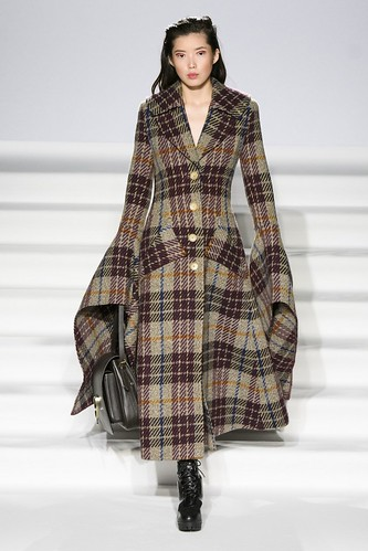 Paul Costelloe Fall 2017 Ready-to-Wear