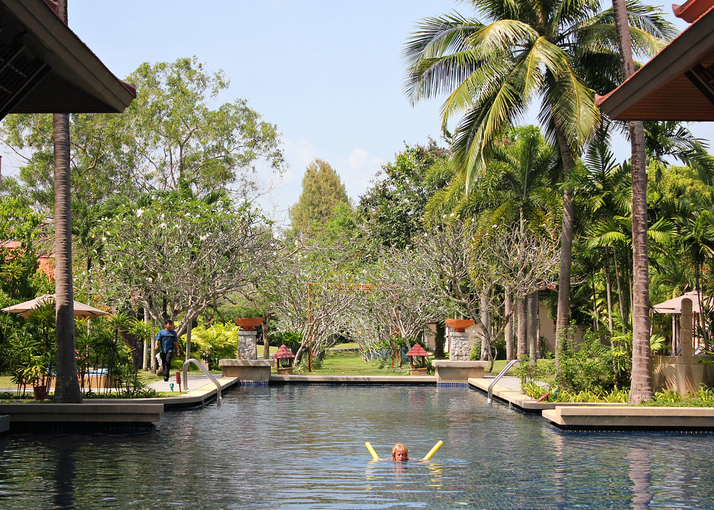 tamarind-frangipani-walk