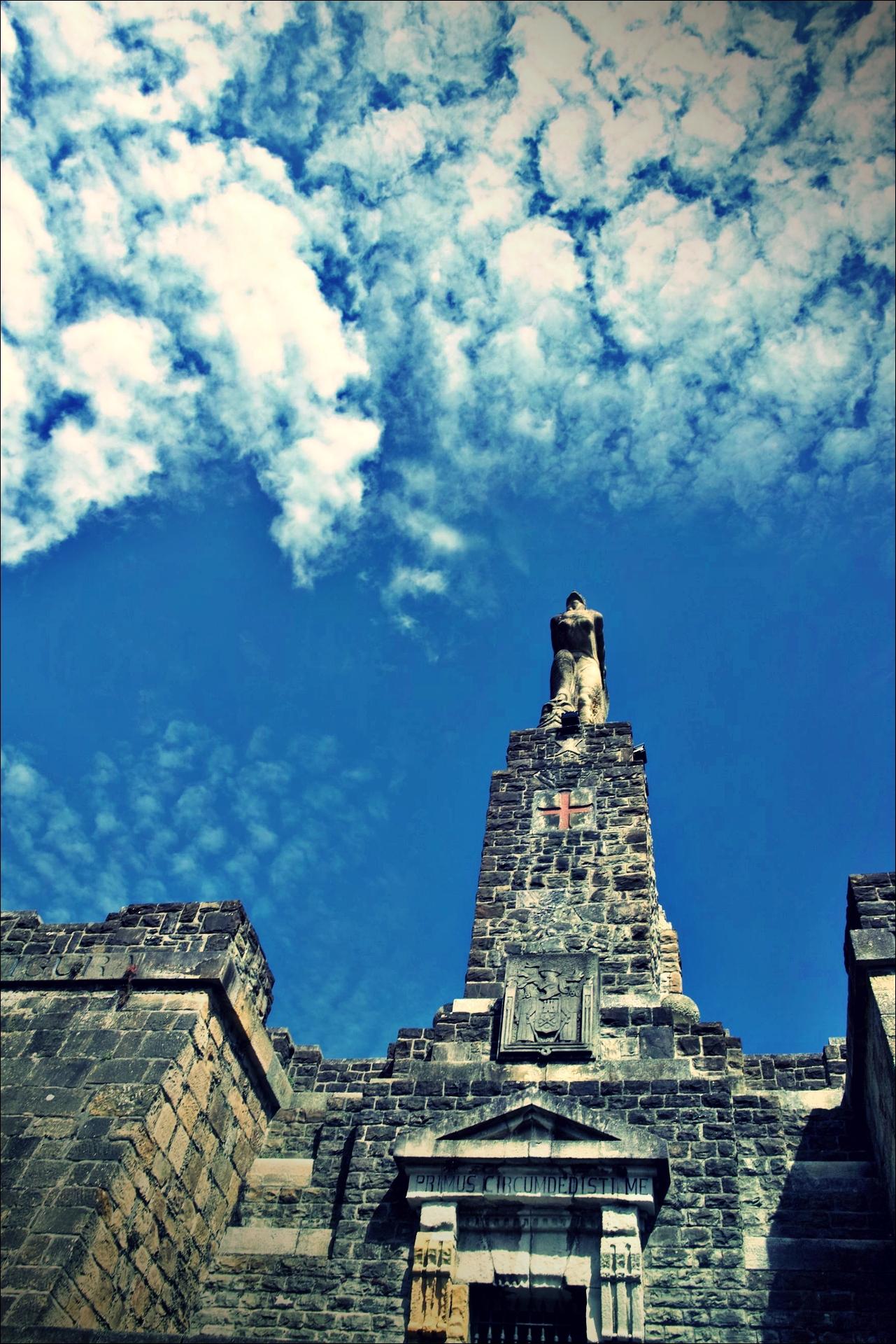 성당, 하늘-'카미노 데 산티아고 북쪽길. 사라우츠에서 쑤마이아. 빌바오.'