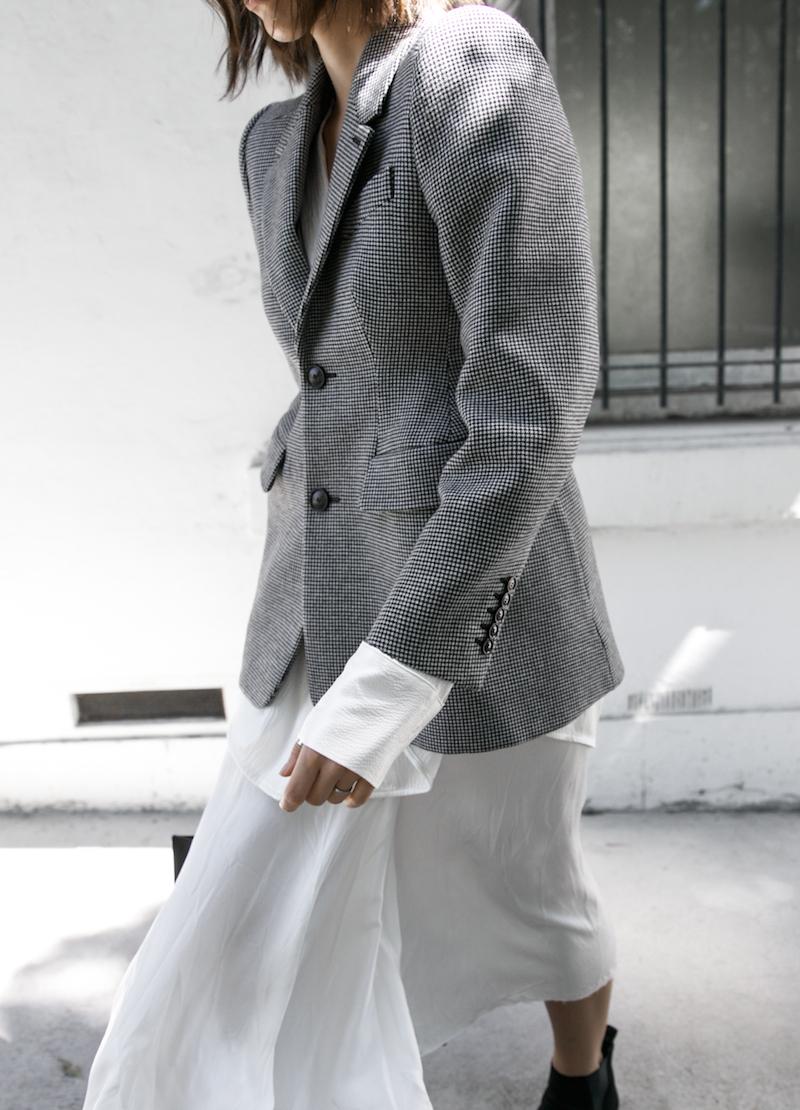balenciaga houndstooth blazer street style trend grey white minimal fashion blogger modern legacy Acne Studios Jensen ankle boots Givenchy logo tote (9 of 15)