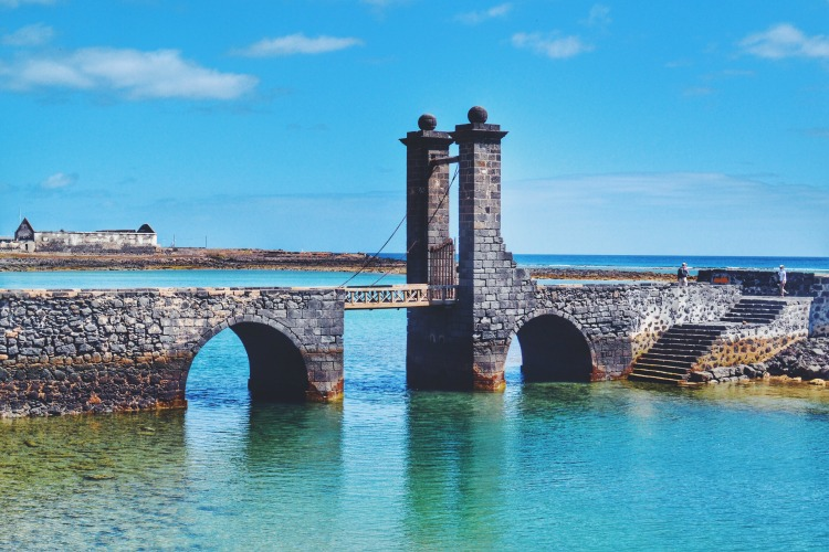 bridge arrecife
