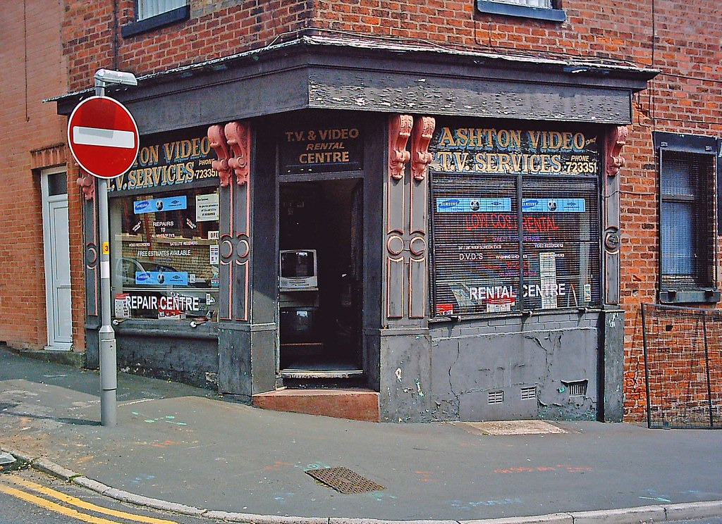 Old corner-shop/store, Cannon Hill/Tulketh Rd., Preston.UK ...