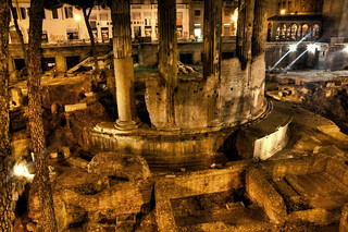 Roman Ruins, Full o' Cats | by Stuck in Customs