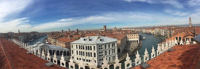 Foto panorámica de las vistas de Venecia desde Fondaco dei Tedeschi