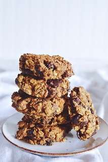 vegan pumpkin chocolate chunk cookies | by Hapaway