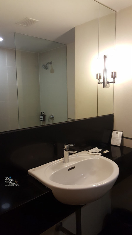 thee hotel bangkok toilet
