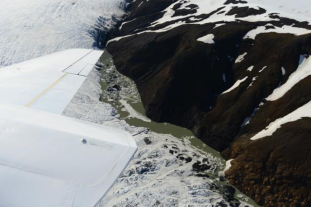 El glaciar Vatnajökull derritiéndose por la lava del interior de la tierra
