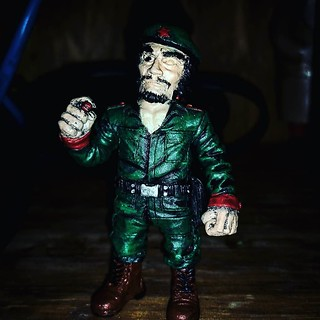Eyes are so hard to get right. But El Jefe looks amazing with a little bit of paint on him. Incredible detail. #RagingNerdgasm #TomKhayos #ToyGameScroogeMcDuck #customtoys #repainted #resin #toyart #arttoys #eljefe #dictator #soldier #revolution #viva | by Raging Nerdgasm