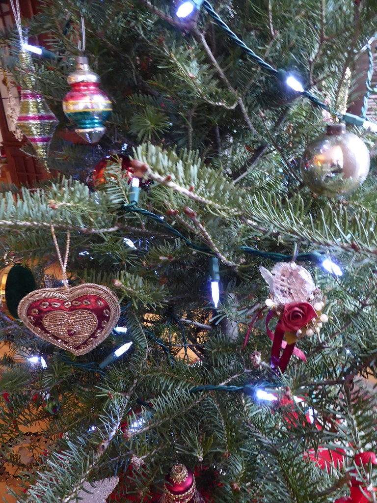 chicago christmas tree in kaarins condo by mary warren 114 million views - Chicago Christmas Tree