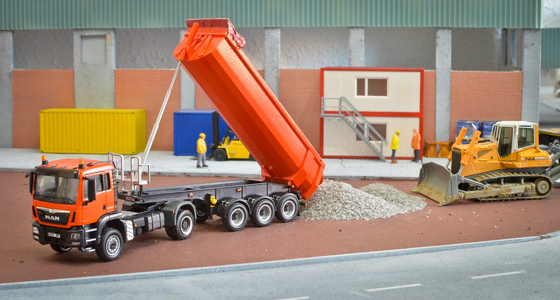 Camiones, transportes especiales y grúas de Darthrraul 32267373142_f0cf577c8f_c