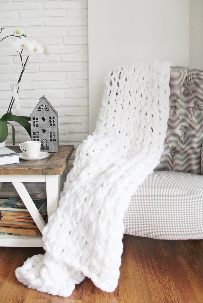 Chunky Knit Throw by The Knit Therapy on Etsy