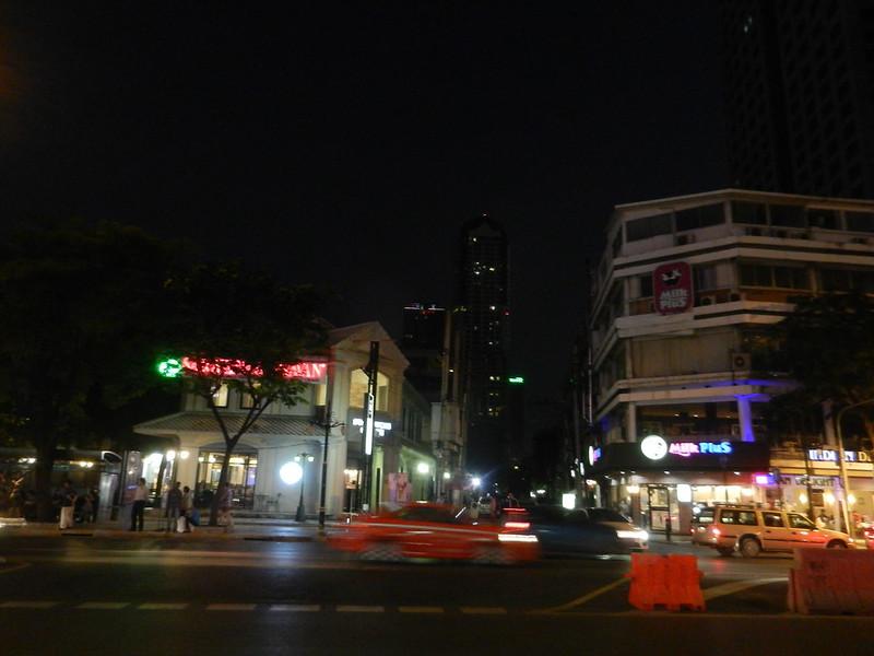 Бангкок, Силом вечером