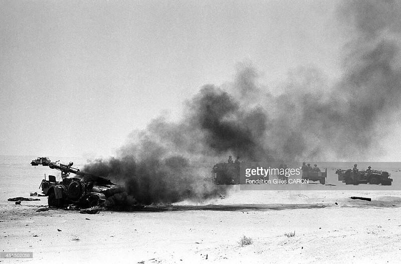 106mm-M40-jeep-burning-sinai-1967-gty-1