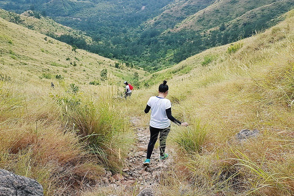 hiking mt. pundaquit