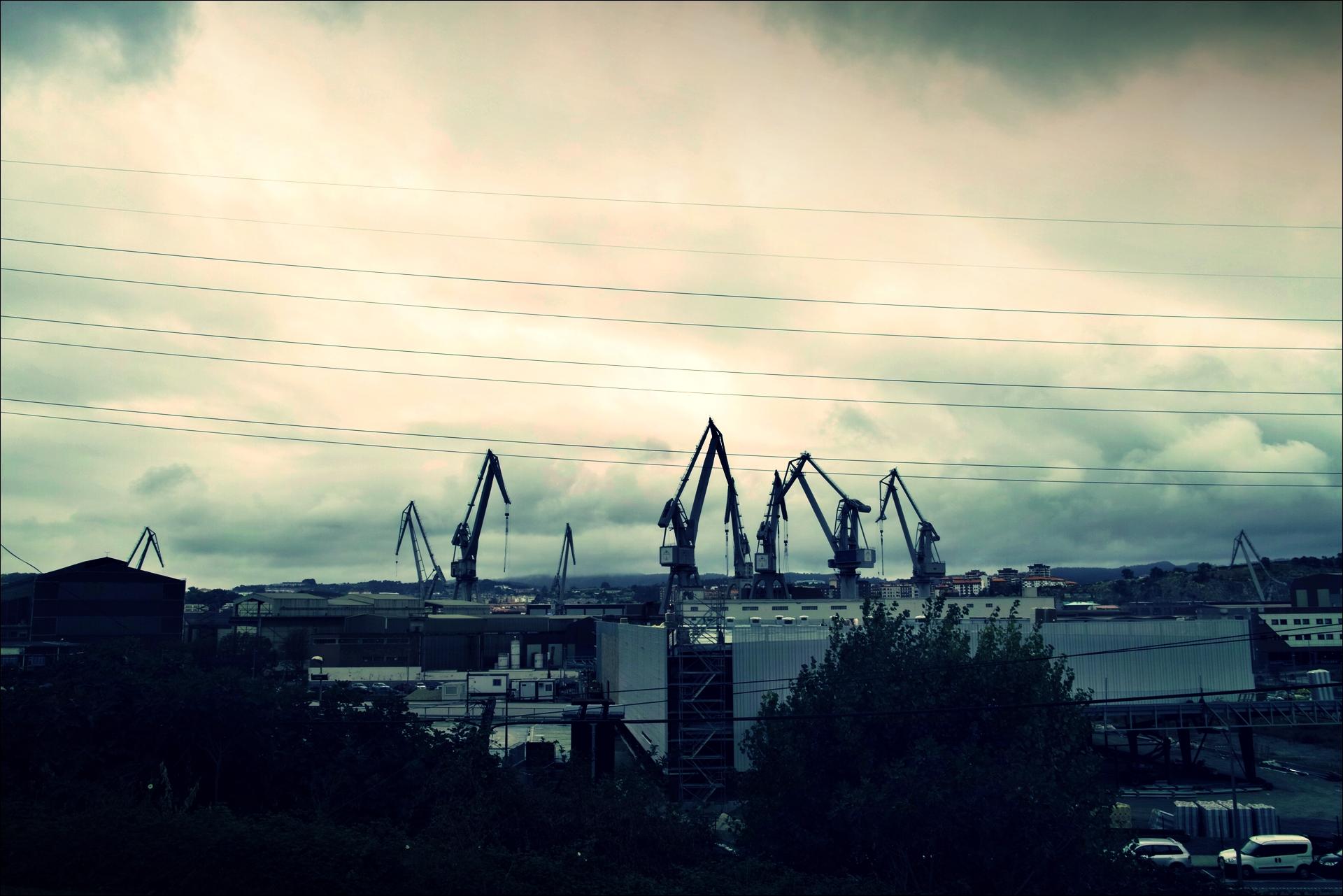 회색 도시-'카미노 데 산티아고 북쪽길. 빌바오에서 포르투갈레테. (Camino del Norte - Bilbao to Portugalete)'